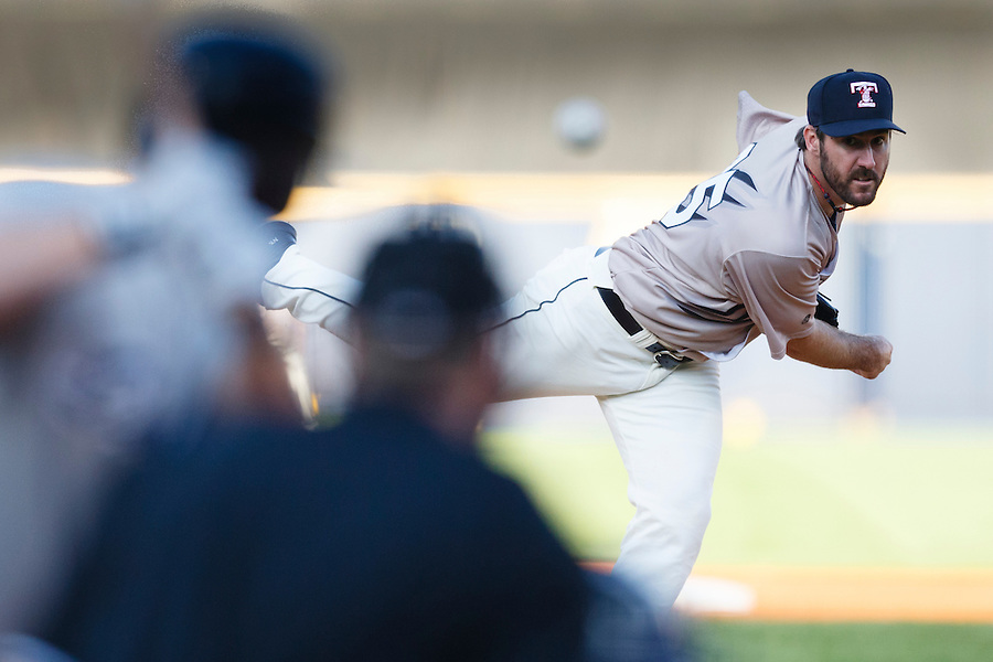 Detroit Tigers pitcher Justin Verlander, playing for the Toledo Mud Hens in a rehab start, pitches in the third inning of a Triple-A baseball game against the Columbus Clippers in Toledo, Ohio, Saturday, June 6, 2015. (AP Photo/Rick Osentoski) (Rick Osentoski/AP)