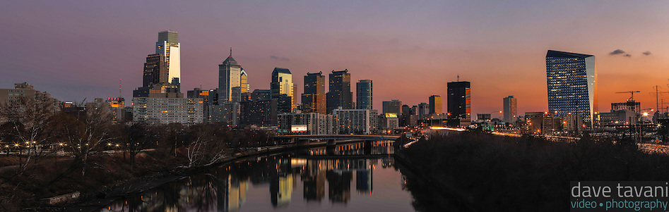 The sunsets over the Philadelphia skyline as seen from the Spring Garden Street Bridge on November 29, 2013. (Dave Tavani)