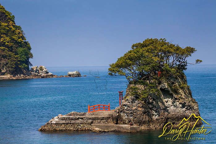 Nishiizu's Shrine and Torii Gate in their harbor on the Izu Peninsula (Daryl L. Hunter/© Daryl L. Hunter)