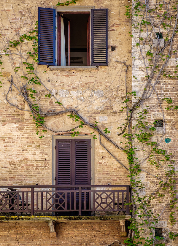 SAN GIMIGNANO, ITALY - CIRCA MAY 2015:  Typical windows  in San Gimignano in Tuscany (Daniel Korzeniewski)
