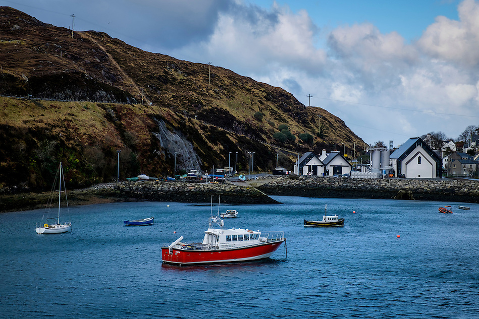 LEWIS AND HARRIS, SCOTLAND - CIRCA APRIL 2016: Port of Tarbert in the outer islands of Lewis and Harris in Scotland. (Daniel Korzeniewski)