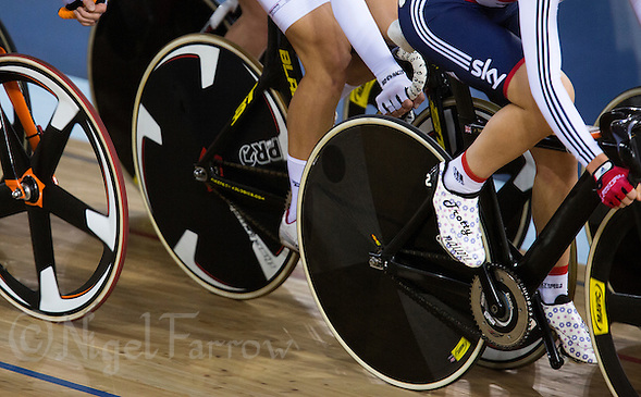 06 DEC 2014 - STRATFORD, LONDON, GBR - Laura Trott (GBR) (right) from Great Britain rides in the pack during the women's Omnium Elimination Race at the 2014 UCI Track Cycling World Cup round in the Lee Valley Velo Park in Stratford, London, Great Britain (PHOTO COPYRIGHT © 2014 NIGEL FARROW, ALL RIGHTS RESERVED) (NIGEL FARROW/COPYRIGHT © 2014 NIGEL FARROW : www.nigelfarrow.com)
