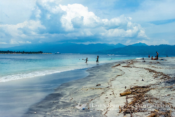Nusa Tenggara, Lombok, Gili Trawangan. The beach on Gili Trawangan, looking towards Lombok. (Photo Bjorn Grotting)
