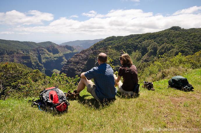 Picnicking on the edge of Waimea Canyon, Kauai, Hawaii (Martin Beebee Photography)