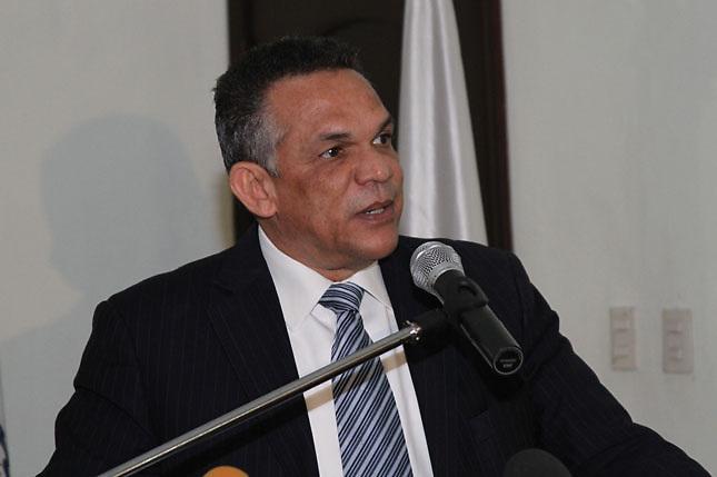 Ventura Camejo exhorta a profundizar en aplicación de Ley de Función Pública