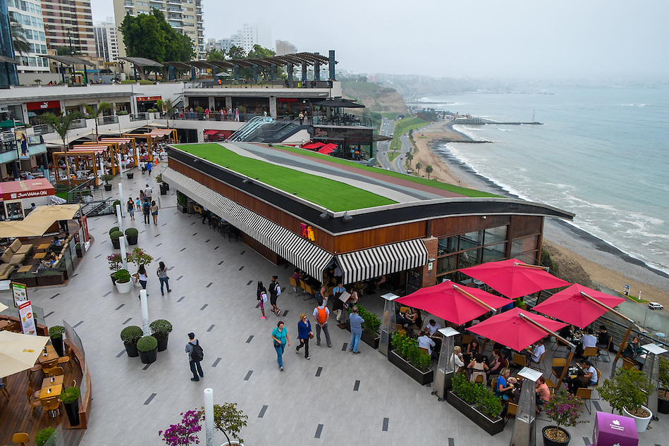 LIMA, PERU - CIRCA APRIL 2014: View of the Larcomar shopping center in the Miraflores area of Lima, Peru. (Daniel Korzeniewski)