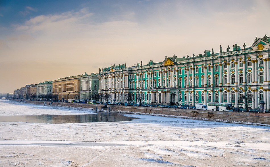 View of Saint Petersburg during winter from the banks of the Neva river. (Daniel Korzeniewski)