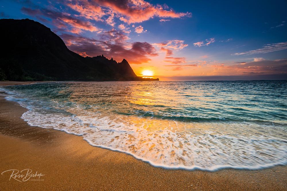 Sunset over the Na Pali Coast from Tunnels Beach, Haena State Park, Kauai, Hawaii