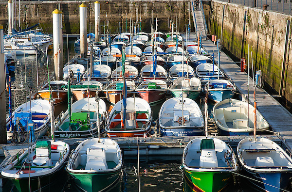 Boats in San Sebastian harbor (Spain) (Carlos Peñalba)