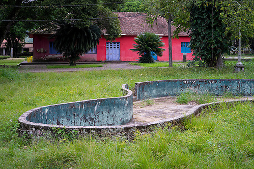 An abandoned swimming pool in Dois Rios on the island of Ilha Grande, Brazil. Photo by Andrew Tobin/Tobinators Ltd (Andrew Tobin/Tobinators)