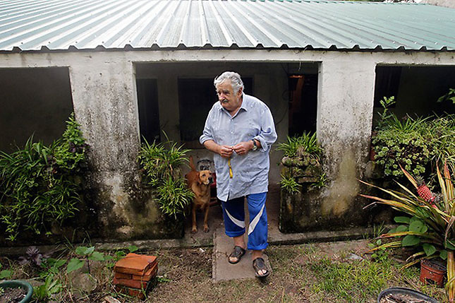Pepe, en su casa, en un campo cercano a Montevideo.