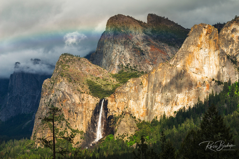 Last light on Bridalveil Fall, Yosemite National Park, California (© Russ Bishop/www.russbishop.com)
