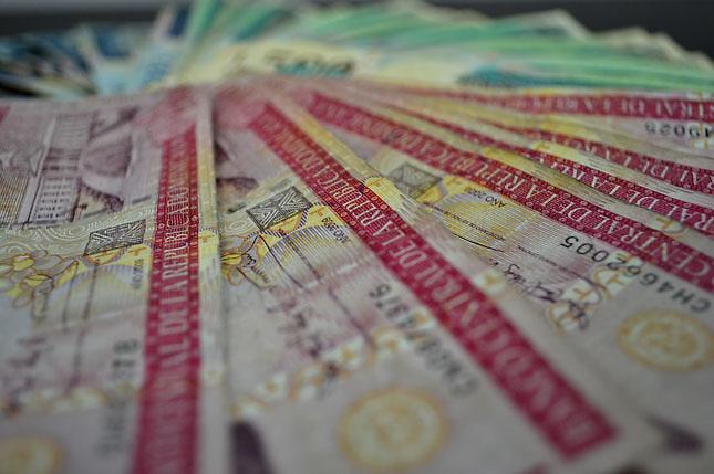 Dinero dominicano.