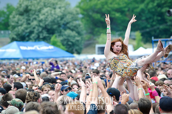 Crowd_Surfing-5980.jpg
