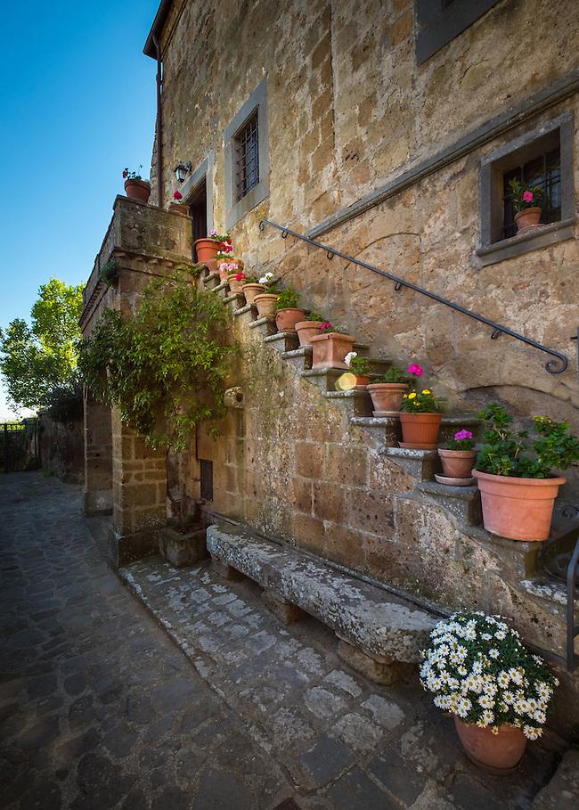 CIVITA DI BAGNOREGIO ITALY - CIRCA MAY 2015: Street in Civita di Bagnoregio. (Daniel Korzeniewski)