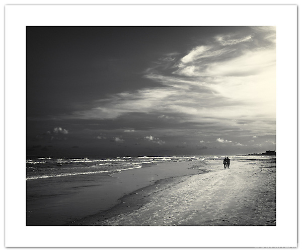 A Walk on the Beach - Accra, Ghana ( 2011 Ian Mylam)