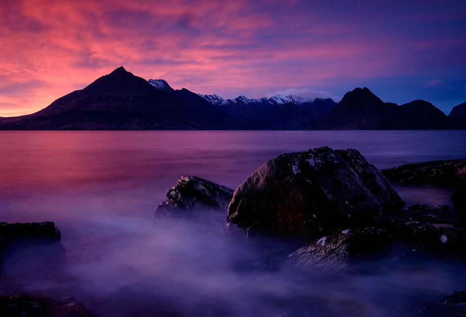 SCOTLAND - CIRCA APRIL 2016: Sunset over Elgol in Skye an Island in Scotland (Daniel Korzeniewski)