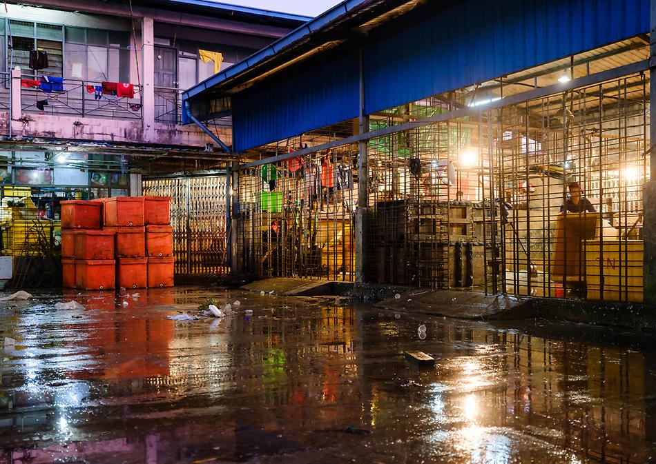 YANGON, MYANMAR - Back street of the Yangon Street Market (Daniel Korzeniewski)