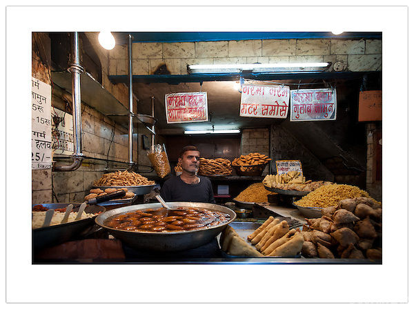 A vendor sells food in Chandni Chowk, Old Delhi, India ( 2013 Ian Mylam)