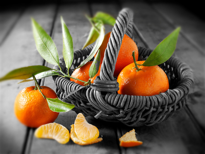 Fresh mandarins fruits with leaves. (Paul Williams)