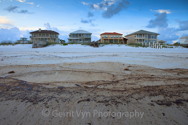 Cottages and oiled beach from the BP Deepwater Horizon oil leak. Baldwin County, Alabama. June 2010. (Gerrit Vyn)