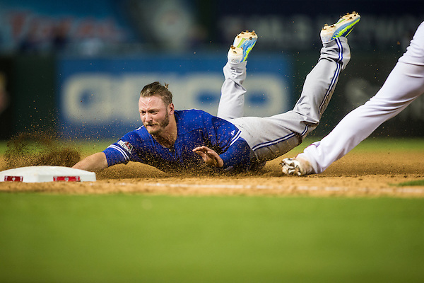 MLB Baseball Playoffs: Toronto Blue Jays at Texas Rangers game action ALDS Game 3 Rangers Ballpark in Arlington/Arlington, TX, USA 10/11/2015 X160029 TK1 Credit: Darren Carroll (Darren Carroll/Sports Illustrated)