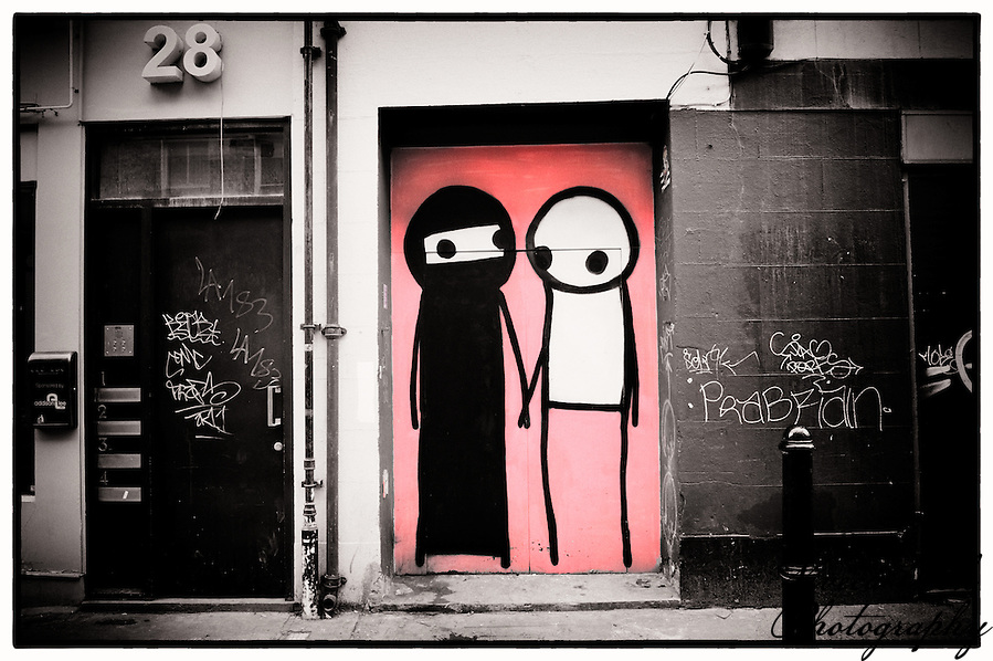 Street art by Stik, Shoreditch, East London (Viveca Koh)
