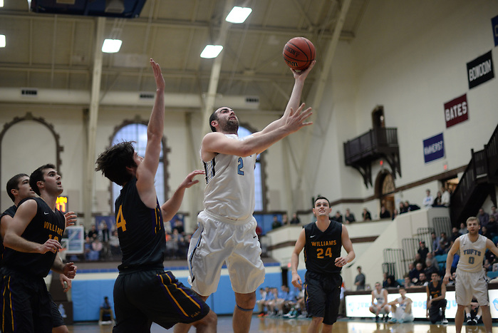 2/20/16 – Medford/Somerville, MA –Tufts tri-captain center Tom Palleschi (LA'17) shoots the ball in a 77-71 win against Williams College in the men's basketball NESCAC Quarterfinals on Feb. 20, 2016. (Sofie Hecht / The Tufts Daily) (Sofie Hecht / The Tufts Daily)