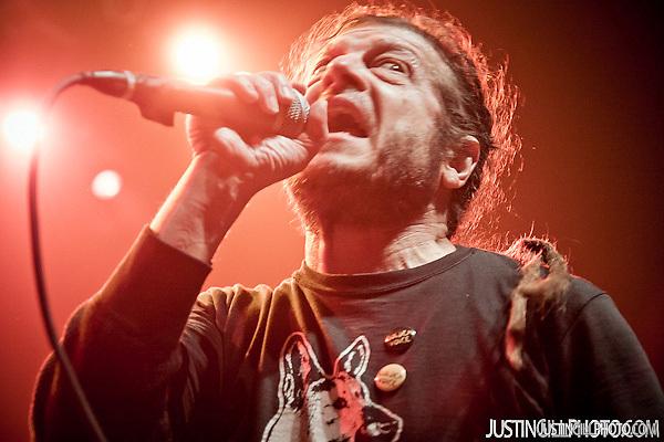 Descendents and Black Flag Keith Morris Live Concert Santa Monica Civic Auditorium Los Angeles (Justin Gill)
