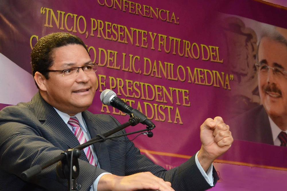 Gedeón Santos, presidente del INDOTEL