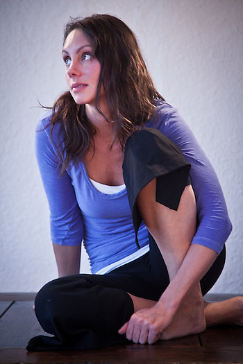 Tara O'Hanley, Solo Yoga, Anchorage (Clark James Mishler)