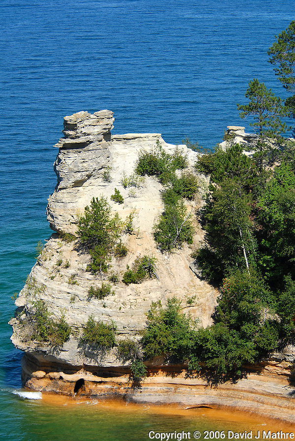 Pictured Rocks National Lakeshore in Michigan. Image taken with a Nikon D200 and 80-400 mm VR lens (ISO 100, 85 mm, f/4.5, 1/750 sec). (David J. Mathre)