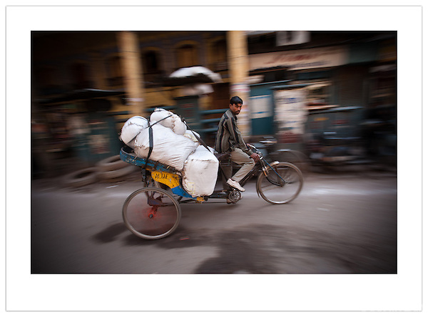 Transporting goods by bicycle, Chandni Chowk, Old Delhi, India ( 2013 Ian Mylam)