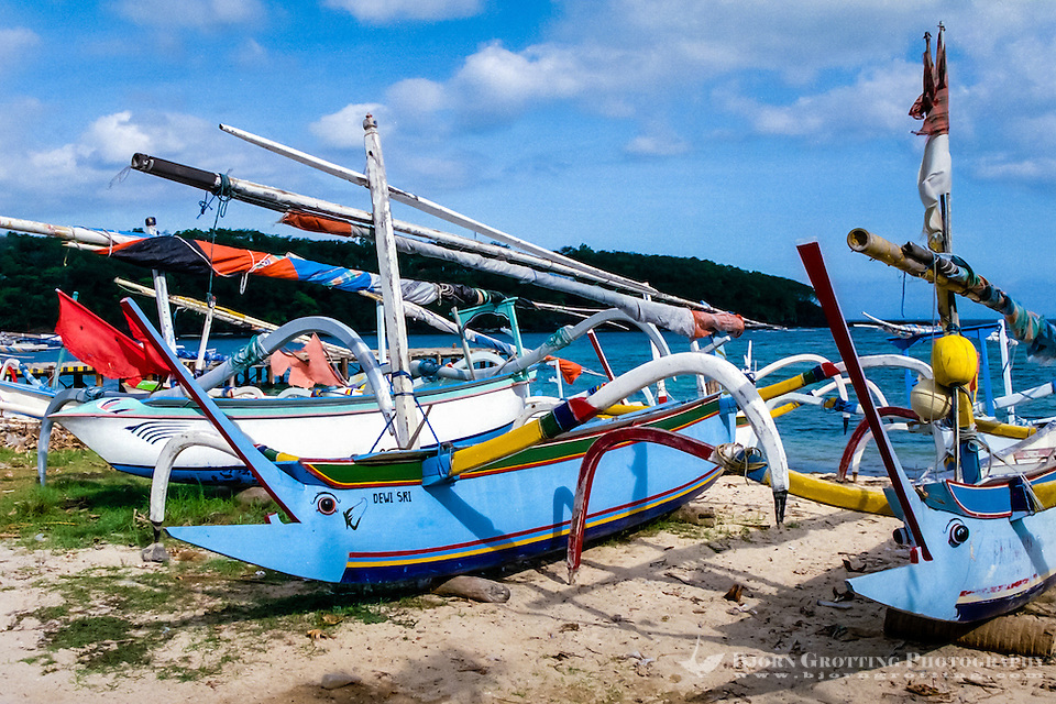 Bali, Karangasem, Padangbai. The local perahu-boats can be very colourful. The big eyes in the front is supposed to help the boat navigate through the darkness. (Photo Bjorn Grotting)