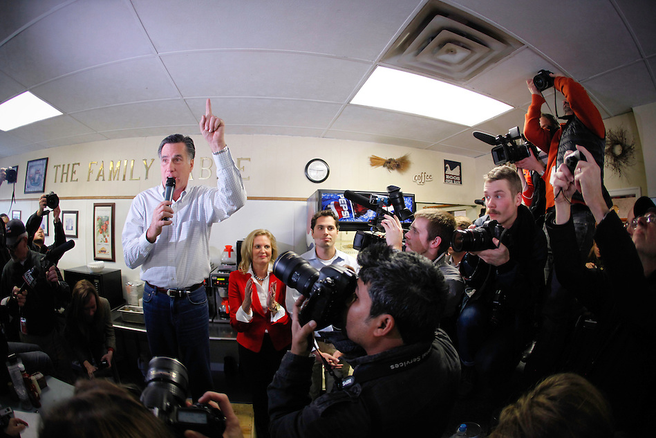 Mitt Romney makes a campaign stop at The Family Table restaurant in Atlantic, Iowa on Sunday, January 1, 2012.  (Christopher Gannon/GannonVisuals.com/MCT) (Christopher Gannon)