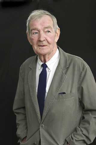 Alastair Reid, vivió en Samaná entre 1980 y 2000, donde cultivaba gengibre.