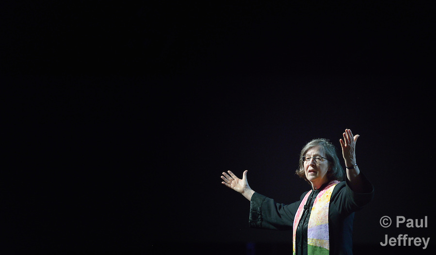Bishop Elaine J.W. Stanovsky gives the benediction at a May 20 worship service during the 2016 United Methodist General Conference in Portland, Ore. Photo by Paul Jeffrey. (Paul Jeffrey)