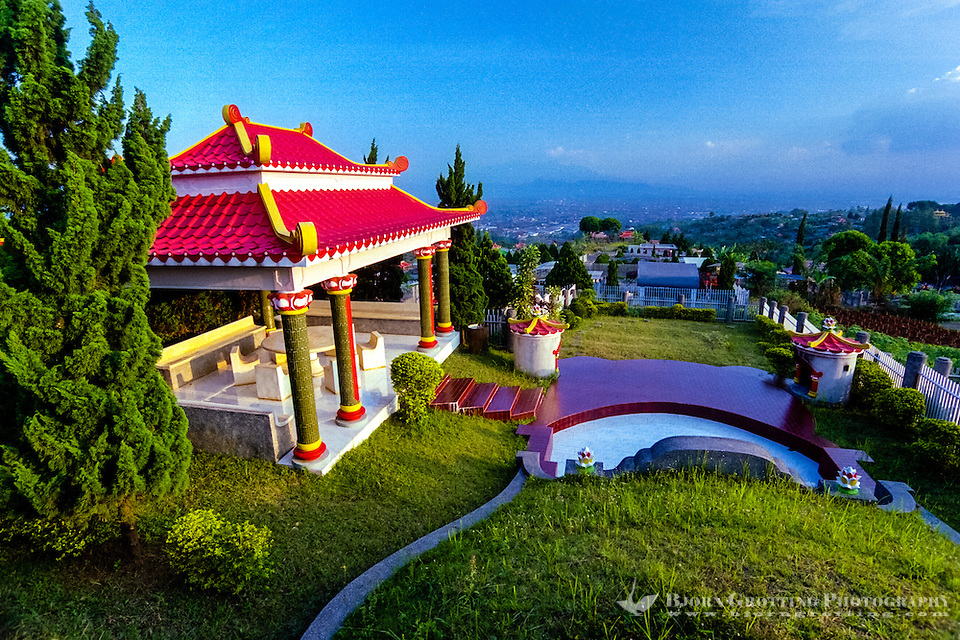 Indonesia, Java, Bandung. The Chinese cemetery Kuburan Cikadut with its huge colourful structures and pagodes. (Photo Bjorn Grotting)