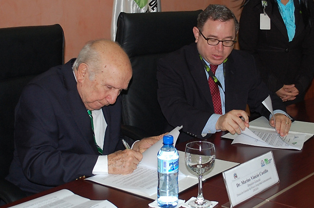 Vincho Castillo afirma que en la corrupción del Estado participa el sector privado
