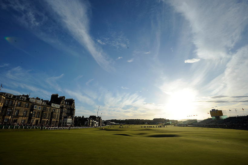 17TH JULY 2010, OPEN 2010 THIRD ROUND AT ST ANDREWS, LANDSCAPE OF 18TH GREEN AND FAIRWAY, ROB CASEY PHOTOGRAPHY. (ROB CASEY/ROB CASEY PHOTOGRAPHY)