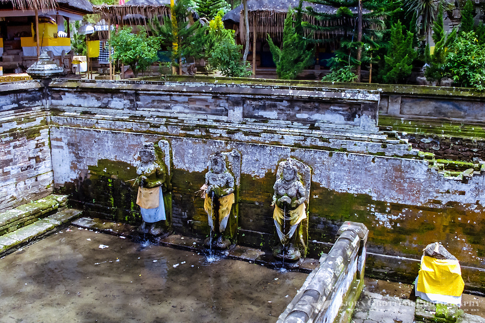 Bali, Gianyar, Goa Gajah. The elephant cave. Holy water from Gunung Batur. (Photo Bjorn Grotting)