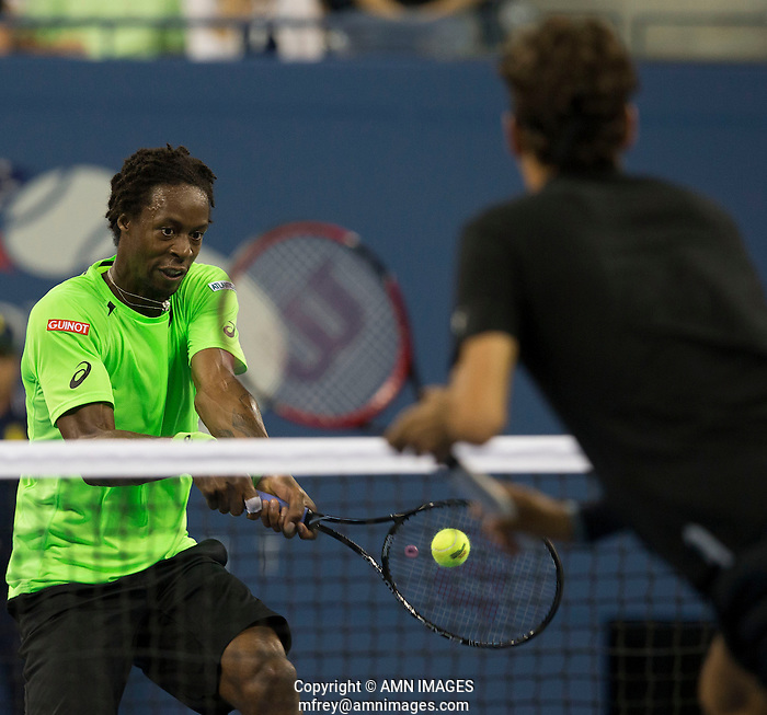 ROGER FEDERER (SUI), GAEL MONFILS (FRA) The US Open Tennis Championships 2014 - USTA Billie Jean King National Tennis Centre -  Flushing - New York - USA -   ATP - ITF -WTA  2014  - Grand Slam - USA   4th September 2014  © AMN IMAGES (FREY/FREY-AMN IMAGES)