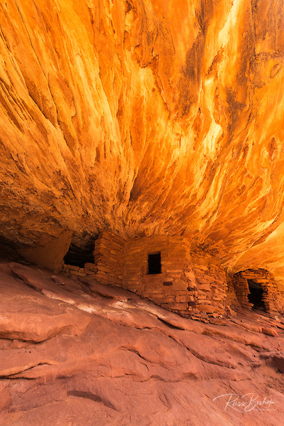 House on Fire Ruin, Mule Canyon, Cedar Mesa, San Juan County, Utah, USA (© Russ Bishop/www.russbishop.com)