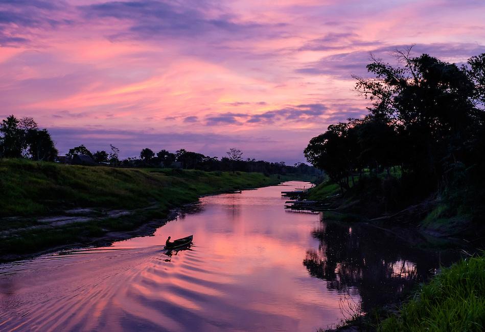 LORETO, PERU - CIRCA OCTOBER 2015: Sunrise in the Peruvian Amazon. (Daniel Korzeniewski)