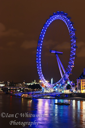 View of the London Eye at night (Ian C Whitworth)