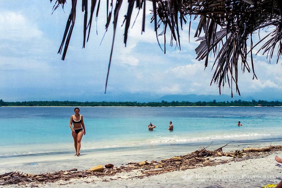 Nusa Tenggara, Lombok, Gili Trawangan. View from Gili Trawangan towards Gili Meno at the other side of the strait. Lombok in the background. (Photo Bjorn Grotting)
