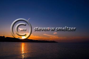 Sunrise Lake Zurich Switzerland (Steven Smeltzer)