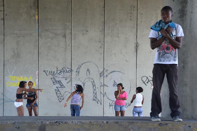 mujeres gurras que significa cuero en dominicano