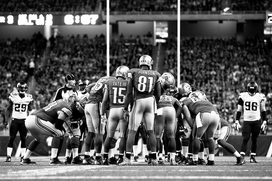 The Detroit Lions huddle during the second half of an NFL football game against the Minnesota Vikings, Sunday, Oct. 25, 2015, in Detroit. (AP Photo/Rick Osentoski) (Rick Osentoski/AP)