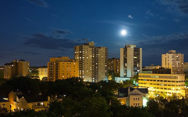View from the Cloud, Saskatoon Full Moon (Darrell Noakes)